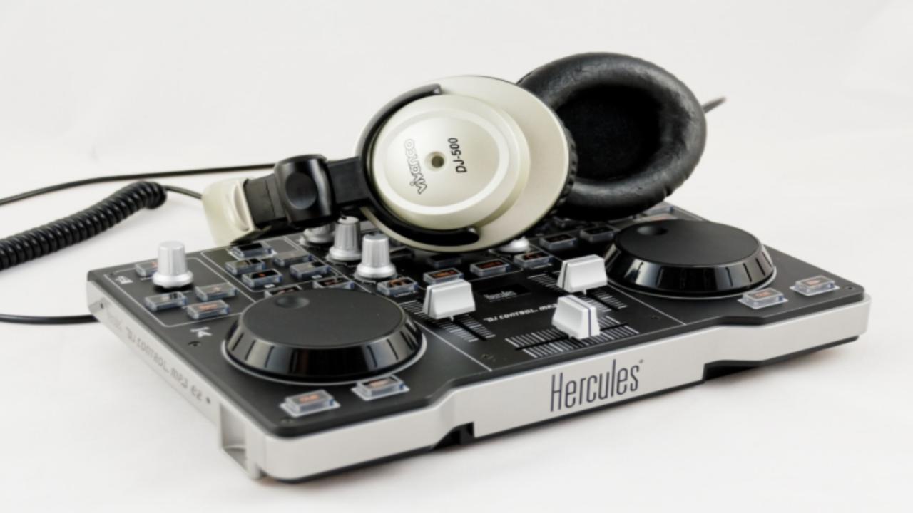 Best DJ Headphones Under 100