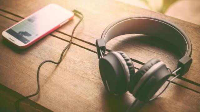 How to Untangle Headphone Wires – [ 7 Quick Methods ]
