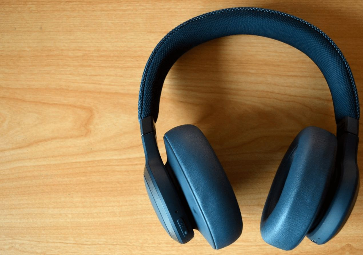 how to connect jbl headphones